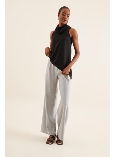 Quincey Tül Detay Asimetrik Bluz Siyah